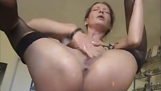 Very hot milf masturbating and pissing squirting