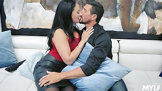 Nonconforming giant bottomed brunette MILF Sheena Ryder happily rides strong load of shit