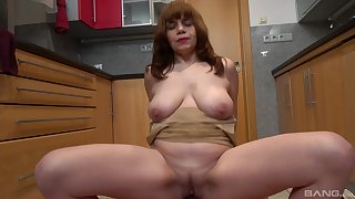 Amateur unladylike Kittyla drops on their way knees to blow and rides well