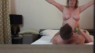 sbbws wife rides boyfriend - granny likes big dicks
